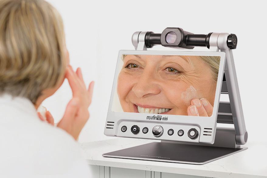 Merlin Mini, a portable, foldable, desktop video magnifier