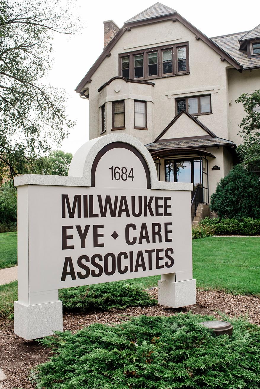 Milwaukee-Eye-Care-exterior