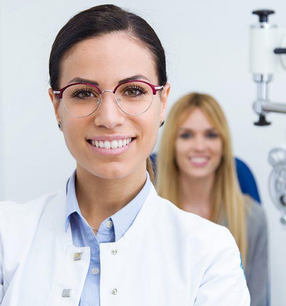 smiling-optometrist
